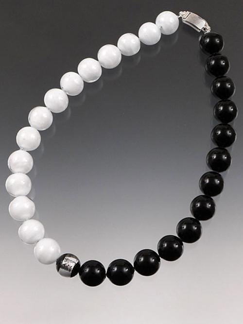 Timeless black and white elegance!