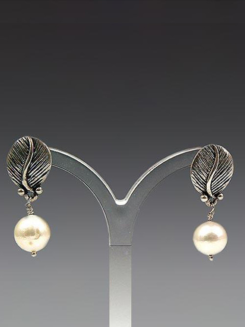 Absolutely charming. Sterling feather post with grade AAA 10mm white freshwater pearl - 1""