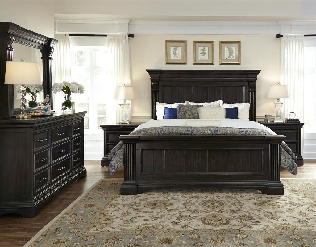 Classic Heritage Bedroom Set - FREE SHIPPING
