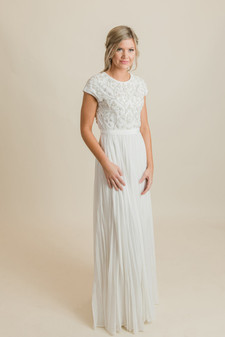 74eb83d67dabe Modest Wedding Dresses for LDS Brides - A Dressy Occasion