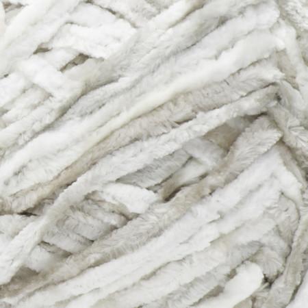 Bernat White Crushed Velvet Yarn (5 - Bulky)