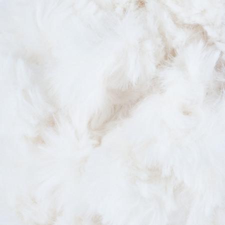 Lion Brand Baked Alaska Off The Hook Faux Fur Yarn (7 - Jumbo)