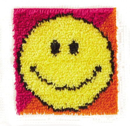 "WonderArt Smiley Face 12"" x 12"" Latch Hook Kit"