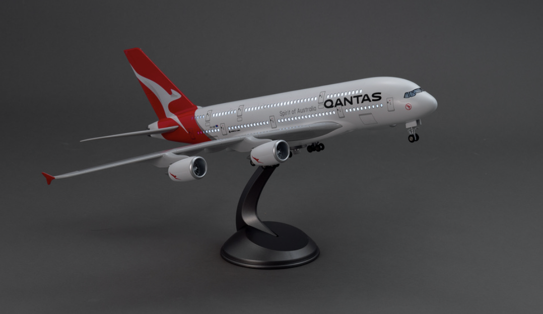 https://www.aircraftmodelstore.co.uk/led-wings-qantas-airbus-a380-1-160/