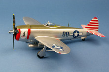 "Easy Models P-47D ""Thunderbolt"" 527th FS / 86th FG 1/48 EM39310"