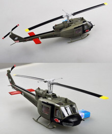 Easy Models BELL UH-1C - 120th AHC - 3rd Platoon 1969 - 1/48 EM39316