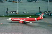 Phoenix AirAsiaX Airbus A330-300 1/400
