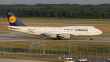 Phoenix Lufthansa Boeing 747-400 'FC Bayern' 1/400