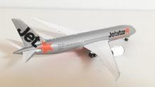 Phoenix Jetstar Boeing 787-8 Dreamliner VH-VKB 1/400