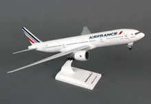 Skymarks Air France 777-200 W/GEAR 1/200 Resin