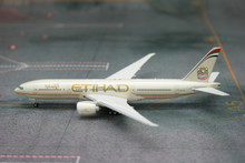 Phoenix Etihad Airways Boeing 777-200LR 1/400