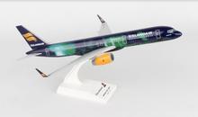 """SkyMarks Icelandair Boeing 757-200 """"Hekla Aurora"""" 1/200"""