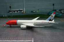 Phoenix Norwegian Air Shuttle Boeing 787-8 Dreamliner 1/400