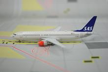 Phoenix SAS Scandinavian Airlines Boeing 737-800 1/400