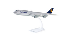 Herpa Lufthansa Boeing 747-8 Intercontinental snap-fit 1/250