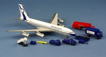 Western Models Quebecair Boeing 707-138B C-GQBH w/ground handling 1/200