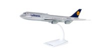 Herpa Snap-Fit Lufthansa Boeing 747-8i 1/250 - EX DISPLAY