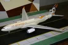 JC Wings Etihad Airbus A330-200 A6-EYD 1/200 XX2648
