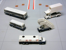 Gemini200 Airport Service Vehicles Set 1/200