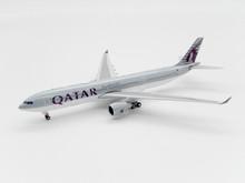 Phoenix Qatar Airbus A330-300 A7-AEO 1/400