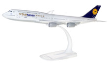 """Herpa Lufthansa Boeing 747-8 Intercontinental """"5 Starhansa"""" 1/250 611978"""