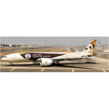 JC Wings Etihad Boeing 777-200LRF 'Year of Zayed' 1/200 XX2137