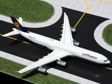 GeminiJets Lufthansa Airbus A340-300 1/400