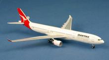 Aeroclassics Qantas Airbus A330-300 VH-QPI 1990s 1/400