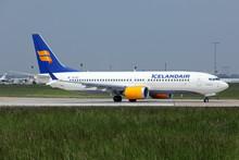 Phoenix Icelandair Boeing 737-8max TF-ICY 1/400
