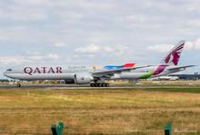 Phoenix Qatar Boeing 777-300ER A7-BAX 1/400