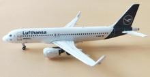 Panda Models Lufthansa Airbus A320Neo 'First' 1/400 PM18015