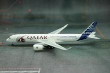 Phoenix Qatar Airways Airbus A350-900 1/400