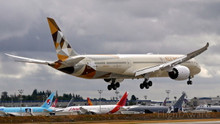 Phoenix Etihad Airways Boeing 787-10 A6-BMA 1/400