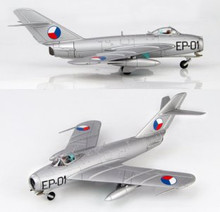 HobbyMaster Czechoslovak Air Force Mig 17F Fresco C Major Gen. Kukel 1957 1/72