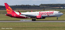 """Herpa Spicejet Boeing 737 Max 8 """"King Chilli"""" VT-MAX 1/500 533638"""