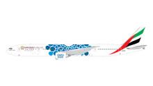 """GeminiJets Emirates Boeing 777-300ER A6-EPK (""""Expo 2020"""" Blue  Mobility Baubles) 1/200 G2UAE776"""