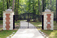 LARGE DRIVEWAY ESTATE GATE AND MARBLE COLUMN ENTRY, 29.6 FEET WIDE