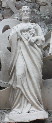 LARGE CHURCH STATUE; CLASSIC RENDERING OF ST. JOSEPH HOLDING FLOWERS, RELIGIOUS