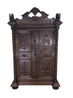 French Renaissance Cabinet with Huge Lions, Oak, 19th Century, Great Storage