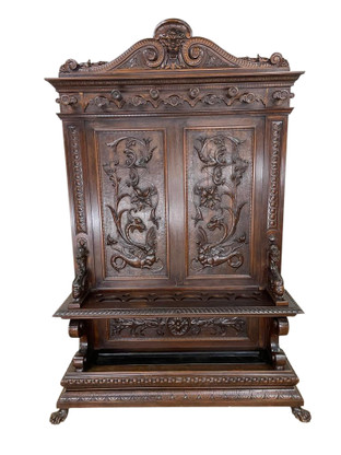 Masterfully Carved  French Renaissance Hall Tree / Rack, Large Model, Dragons, Walnut, 19th Century