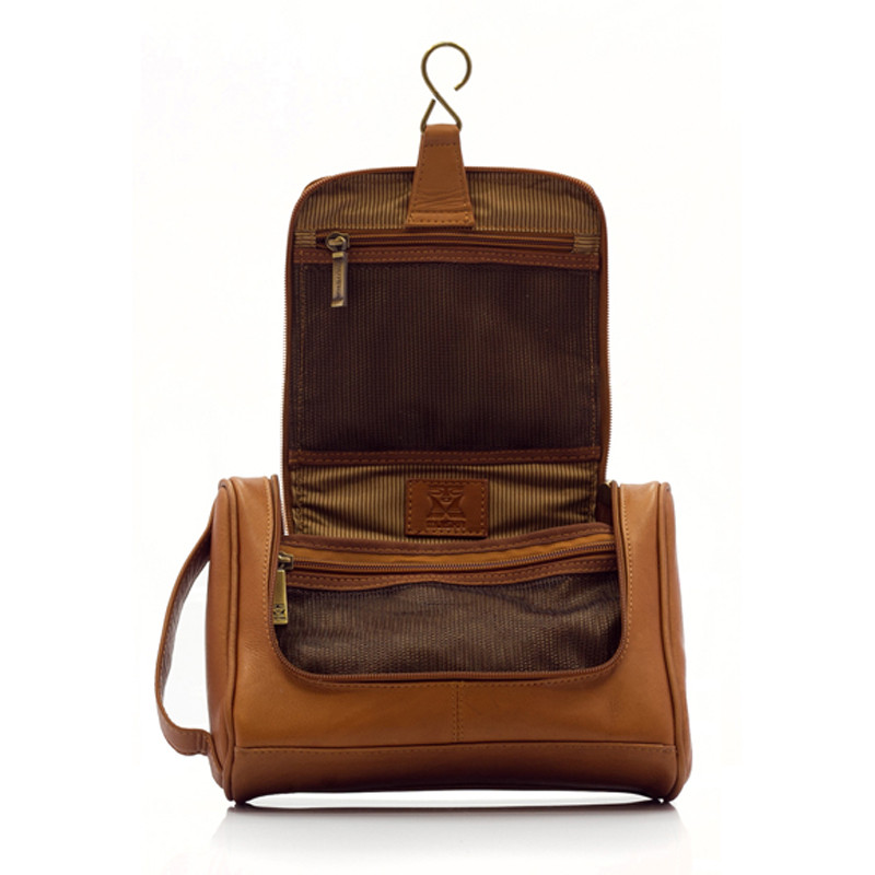 20488e9f210f ... Muiska - Mateo - Hanging Leather Travel Kit conveniently hangs on the  door ...