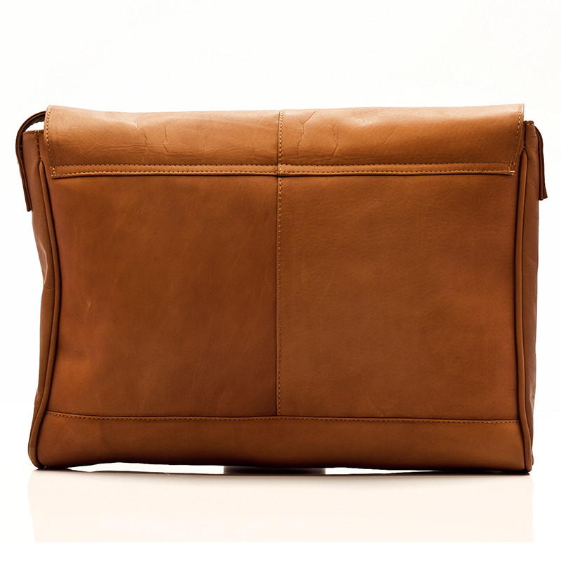 Muiska - Berlin - Leather Messenger Bag - handcrafted of fine Colombian leather