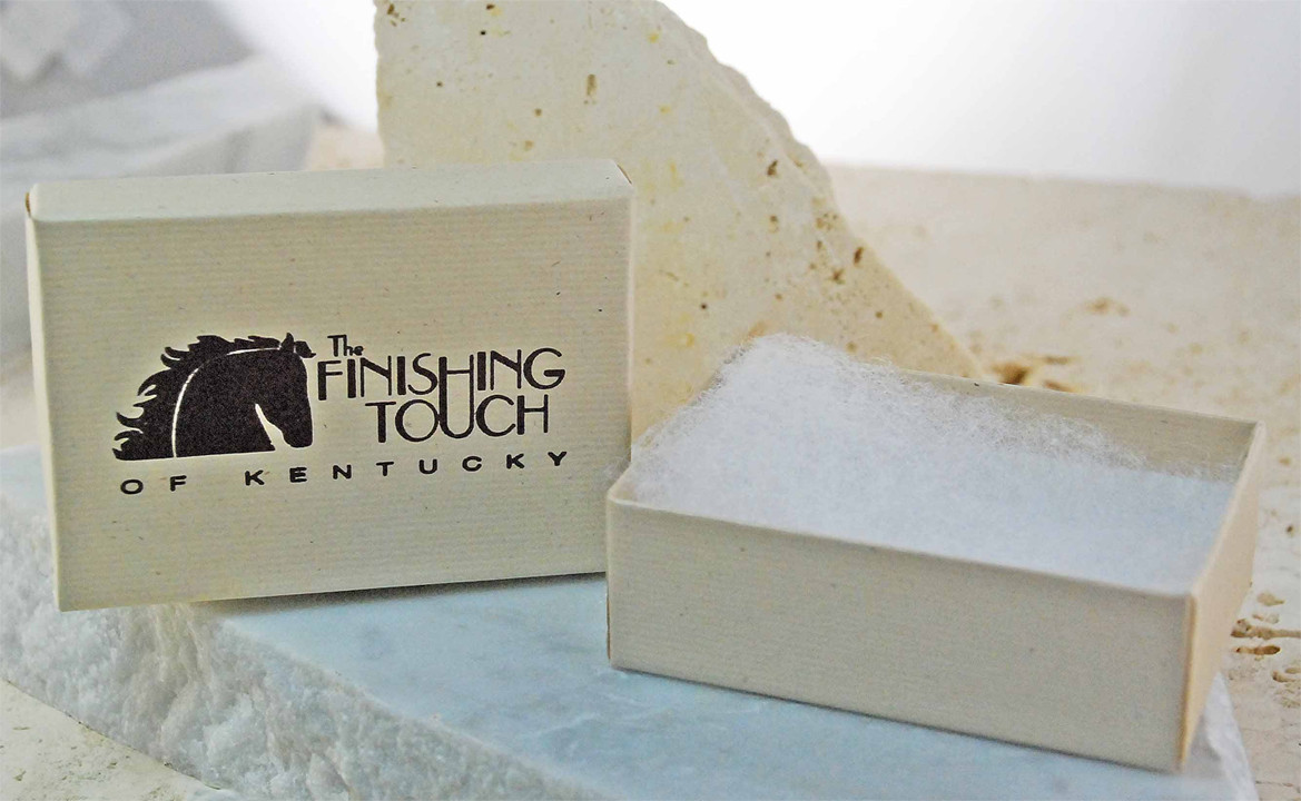 Small Gift Box For Finishing Touch Of Kentucky Jewelry