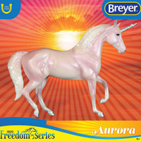 Breyer Freedom Series / Classics, Aurora the Unicorn