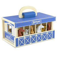 Breyer Farms  Wooden Carry Case with 6 Stablemates Horses