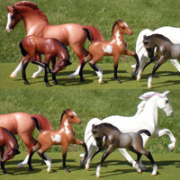 Breyer Stablemates Show Stoppers Set, 2 Mares & 3 Foals