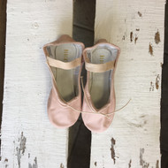 NWT!  Children's Bloch Dansoft II Pink Ballet Shoes