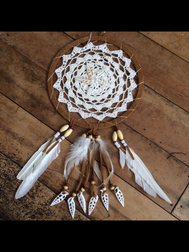 CROCHET LACE DREAM CATCHER WITH SHELL CENTRE & WHITE FEATHERS.