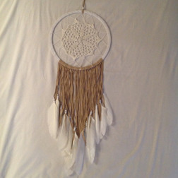 HANDMADE DREAMCATCHER CROCHET LACE WITH CARAMEL & WHITE FEATHERS  25CM