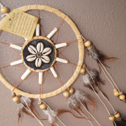 Dream catcher with shell detail 15cm